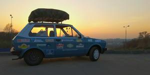 2 веселых серба путешествуют по бескрайним просторам России